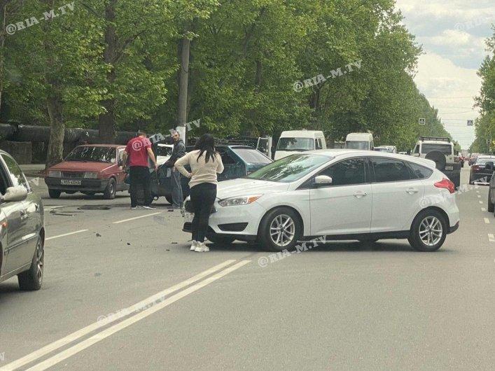 В Мелитополе столкнулись Таврия и Ford, фото-2