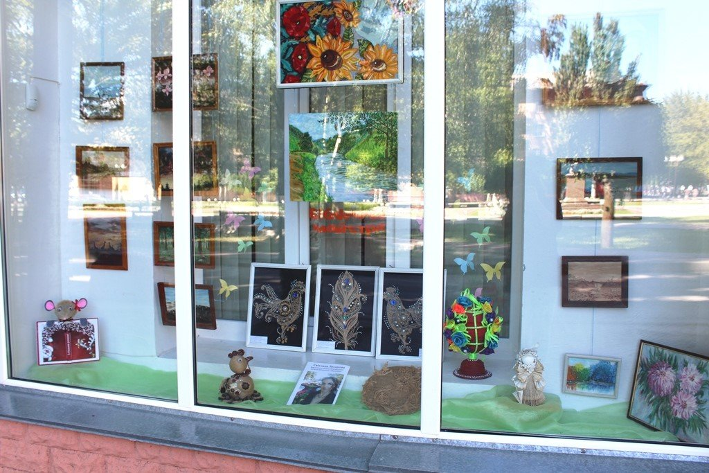 Мелитопольские библиотекари организовали выставку своих талантов, фото-2