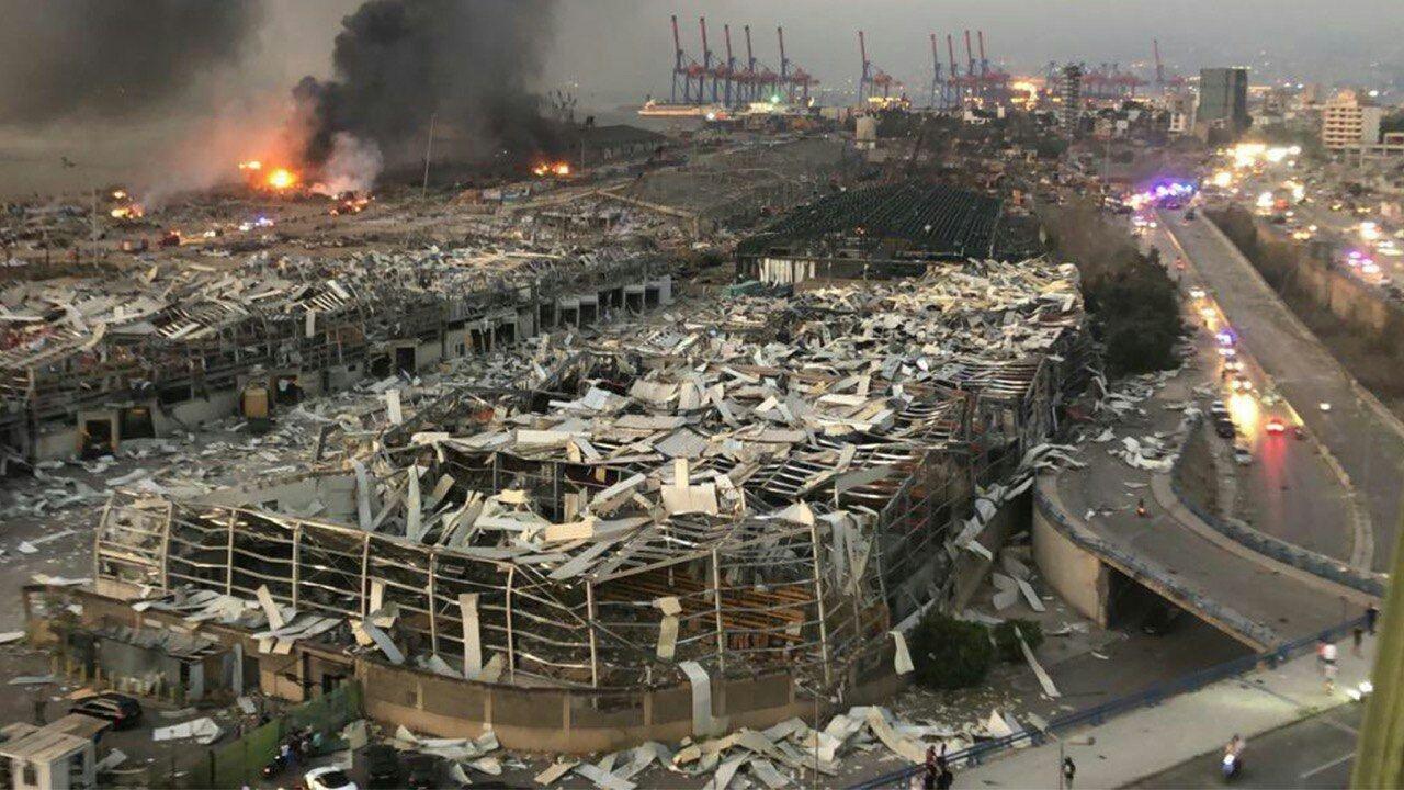 Фото с последствиями взрыва в Бейруте