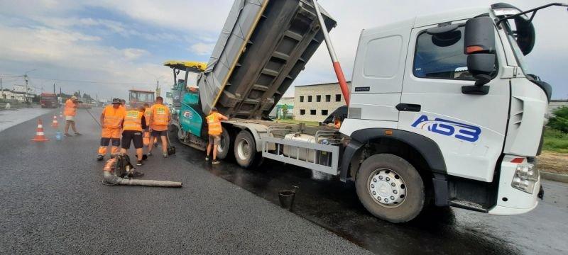 В Мелитополе на объездной заканчивают класть асфальт, фото-2