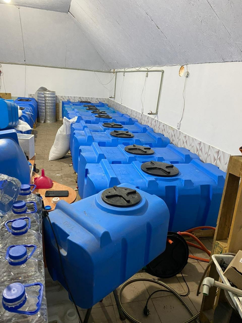 В Запорожской области обнаружили подпольный цех, изготавливающий спирт, фото-3