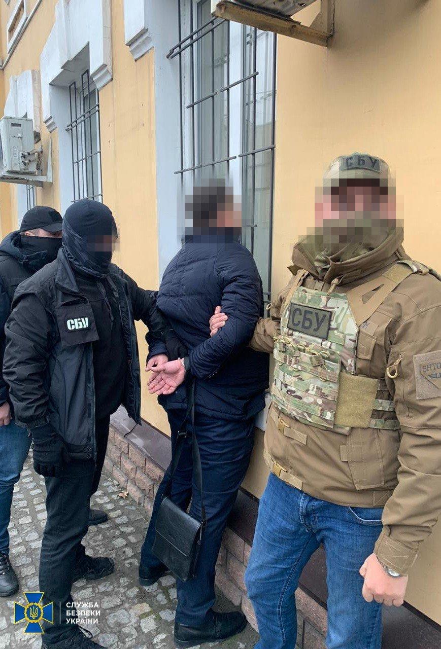 В Запорожье военный прокурор пойман на взятке, фото-2