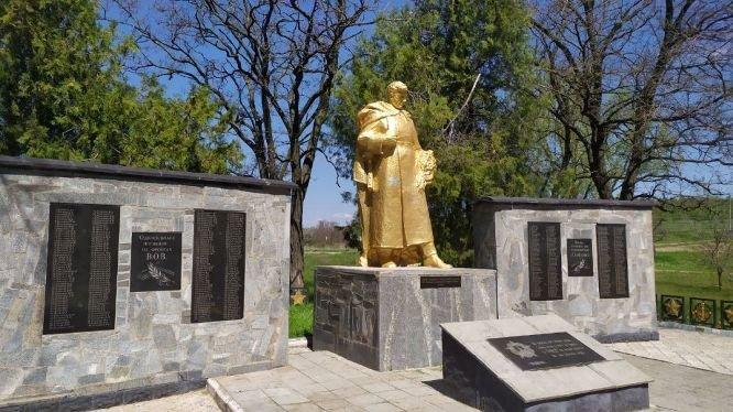 В Мелитопольском районе продолжают благоустраивать мемориалы, фото-2