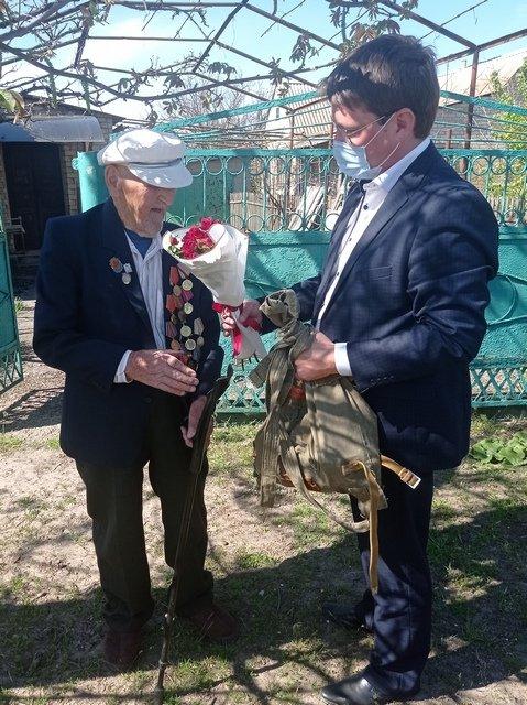 Руководители Мелитопольского района поздравили ветеранов, фото-1