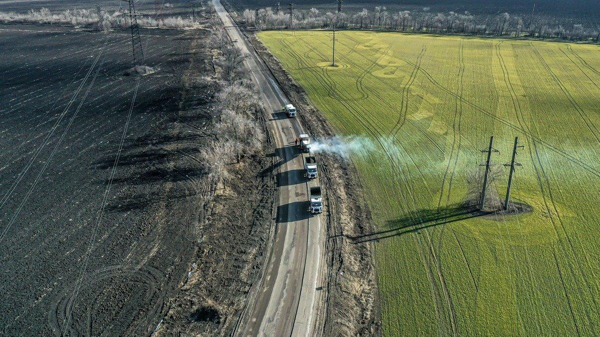 В Запорожской области завершается ремонт трассы Н-23, фото-1
