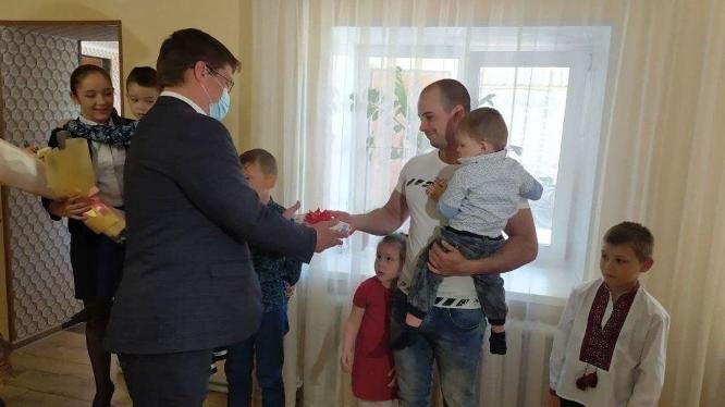 Игорь Судаков поздравил многодетных Зленков с Днем семьи, фото-2