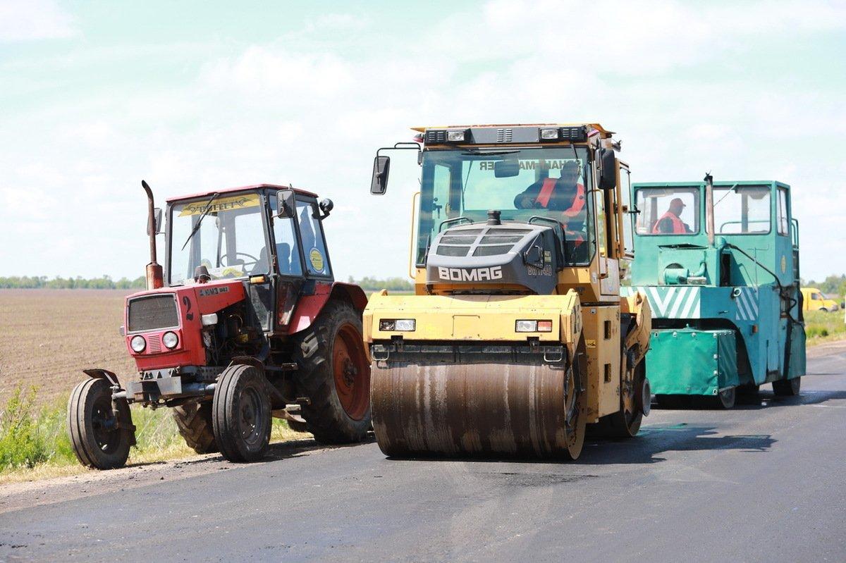 В Запорожской области продолжается ремонт дорог, фото-1