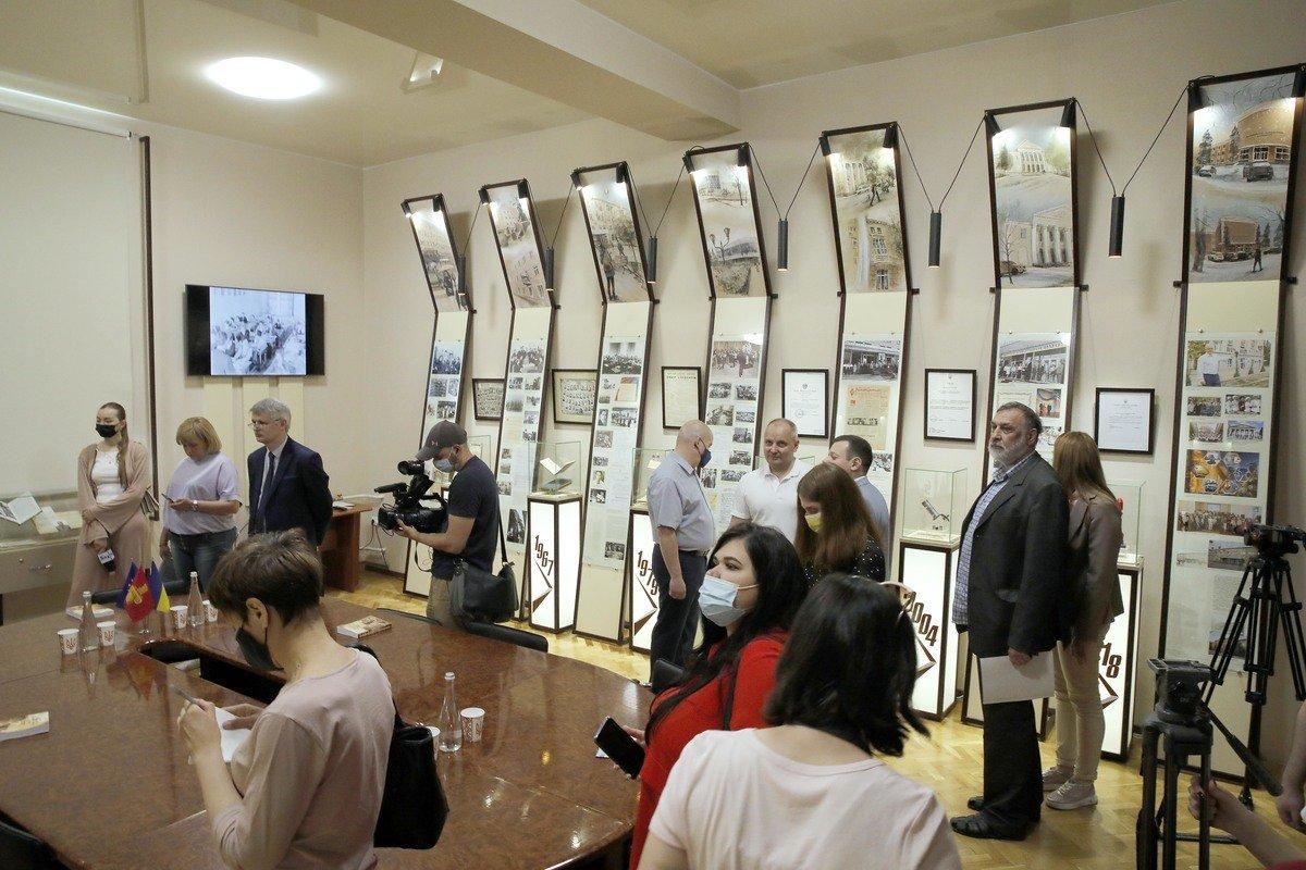 Завершена реконструкция музея ЗНУ (фото), фото-2