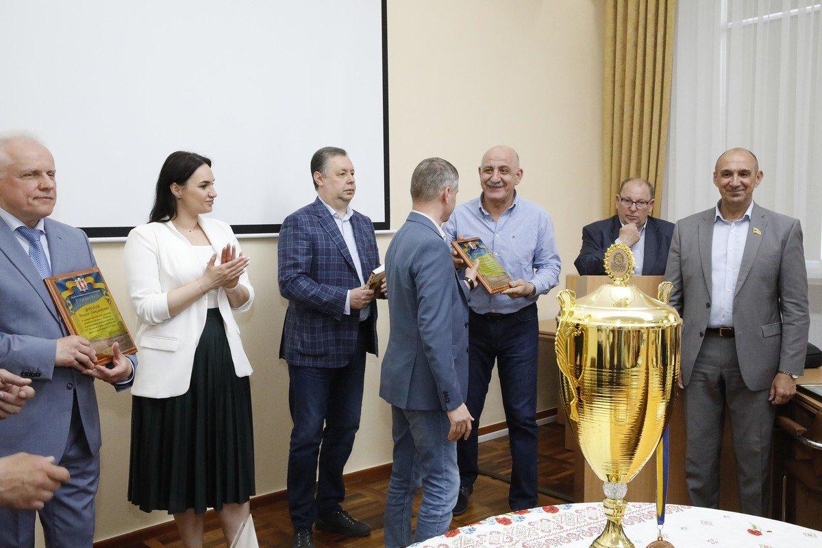 Волейболистки ЗНУ - бронзовые призеры Чемпионата Украины, фото-2