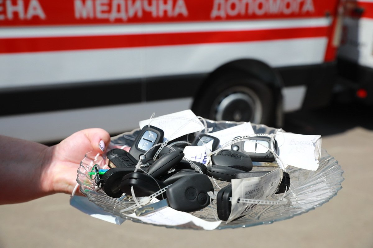 Медики Запорожской области получили новые оборудованные автомобили, фото-4